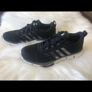 New ADIDAS black sneakers. Men's size 8